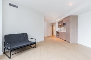 "Photo 4: 1720 68 SMITHE Street in Vancouver: Downtown VW Condo for sale in ""ONE PACIFIC"" (Vancouver West)  : MLS®# R2401692"
