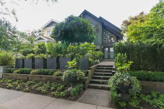 Photo 1: 618 W 17TH Avenue in Vancouver: Cambie House for sale (Vancouver West)  : MLS®# R2082339