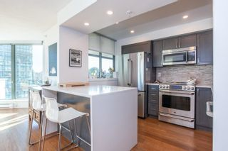 """Photo 10: 801 1088 QUEBEC Street in Vancouver: Mount Pleasant VE Condo for sale in """"The Viceroy"""" (Vancouver East)  : MLS®# R2206969"""