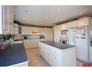 "Photo 3: 7897 154TH Street in Surrey: Fleetwood Tynehead House for sale in ""FAIRWAY PARK"" : MLS®# F2910774"