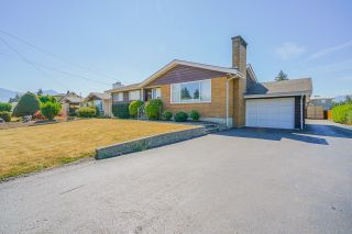 Main Photo: 45410 BERNARD Avenue in Chilliwack: Chilliwack W Young-Well House for sale : MLS®# R2608127