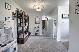 Photo 5: 3224 14 Street NW in Calgary: Rosemont Duplex for sale : MLS®# A1123509