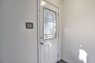 Photo 2: 10818 134 Avenue in Edmonton: Zone 01 House Half Duplex for sale : MLS®# E4260265