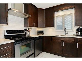"""Photo 7: 213 643 W 7TH Avenue in Vancouver: Fairview VW Townhouse for sale in """"THE COURTYARDS"""" (Vancouver West)  : MLS®# V1059098"""