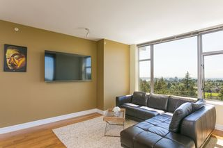 """Photo 7: 2305 280 ROSS Drive in New Westminster: Fraserview NW Condo for sale in """"THE CARLYLE"""" : MLS®# R2373905"""