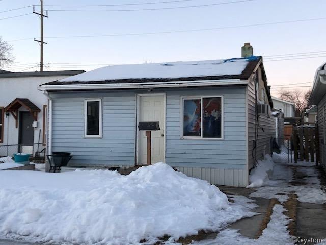 Main Photo: 471 Martin Avenue West in Winnipeg: Elmwood Residential for sale (3A)  : MLS®# 1805733