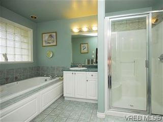 Photo 11: 2390 Halcyon Pl in VICTORIA: CS Tanner House for sale (Central Saanich)  : MLS®# 584829