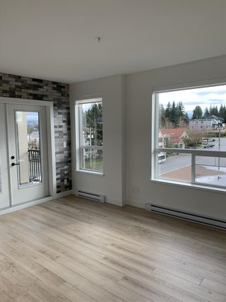 "Photo 1: 408 2493 MONTROSE Avenue in Abbotsford: Central Abbotsford Condo for sale in ""Upper Montrose"" : MLS®# R2539998"