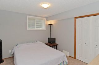 Photo 35: 70 Cresthaven Way SW in Calgary: Crestmont Detached for sale : MLS®# C4285935