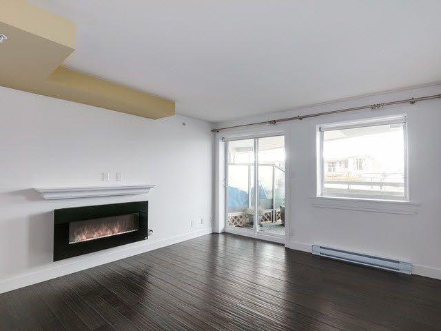 "Photo 4: Photos: 202 14955 VICTORIA Avenue: White Rock Condo for sale in ""SAUSALITO BEACH SIDE LIVING"" (South Surrey White Rock)  : MLS®# F1429658"