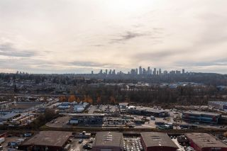 """Photo 10: 2507 2289 YUKON Crescent in Burnaby: Brentwood Park Condo for sale in """"Watercolours"""" (Burnaby North)  : MLS®# R2420435"""
