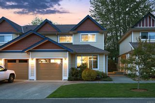 Photo 3: 4 2728 1st St in : CV Courtenay City Row/Townhouse for sale (Comox Valley)  : MLS®# 879923