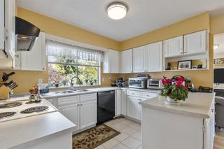 Photo 13: 6560 YEATS Crescent in Richmond: Woodwards House for sale : MLS®# R2625112