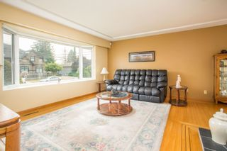 Photo 3: 726 SCHOOLHOUSE Street in Coquitlam: Central Coquitlam House for sale : MLS®# R2609829