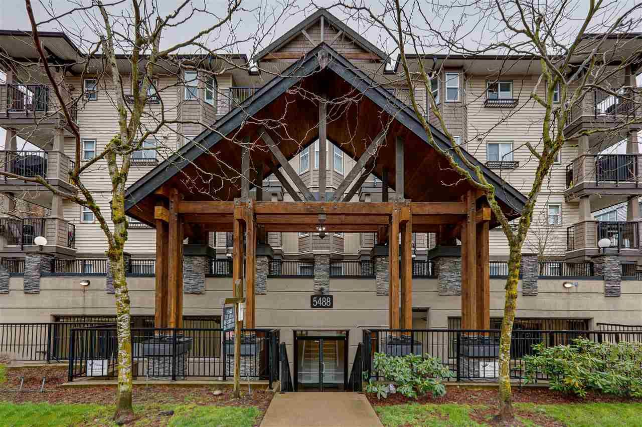 """Main Photo: 105 5488 198 Street in Langley: Langley City Condo for sale in """"Brooklyn Wynd"""" : MLS®# R2440852"""