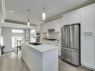 """Photo 11: 46 2888 156 Street in Surrey: Grandview Surrey Townhouse for sale in """"HYDE PARK"""" (South Surrey White Rock)  : MLS®# R2575934"""