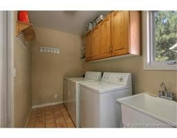 Photo 11: 783 Cassiar Court in Kelowna: Residential Detached for sale : MLS®# 10050964