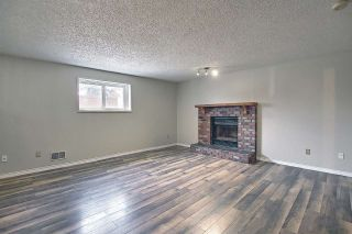 Photo 2: 15712 81 Street in Edmonton: Zone 28 House for sale : MLS®# E4236940