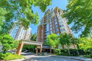 """Photo 1: 1402 5615 HAMPTON Place in Vancouver: University VW Condo for sale in """"THE BALMORAL"""" (Vancouver West)  : MLS®# R2436676"""