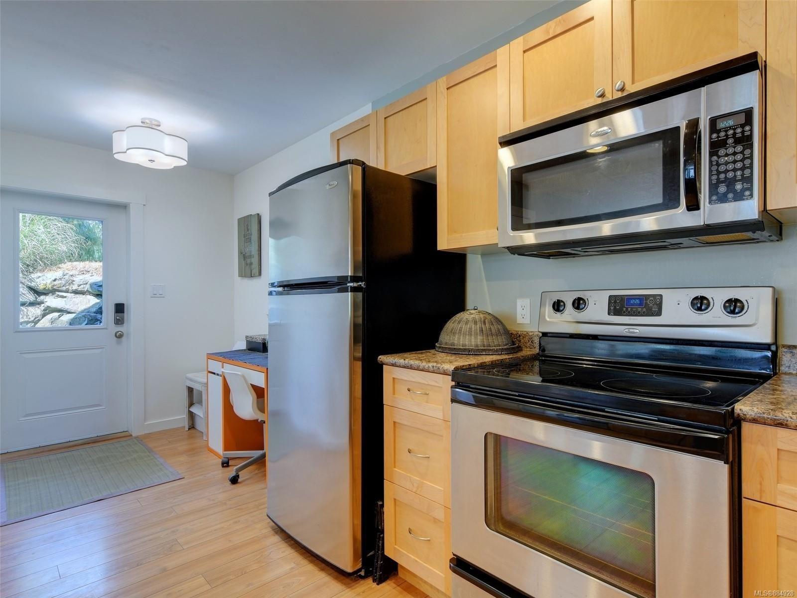 Photo 13: Photos: 6896 Beaton Rd in : Sk Broomhill Half Duplex for sale (Sooke)  : MLS®# 884928