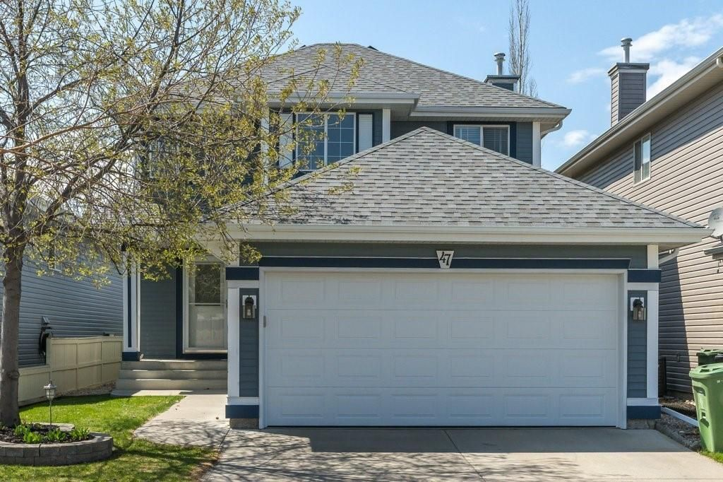 Main Photo: 47 BRIDLEPOST Green SW in Calgary: Bridlewood Detached for sale : MLS®# C4296082