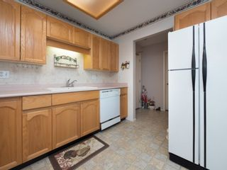 """Photo 11: 202 5363 206 Street in Langley: Langley City Condo for sale in """"Park Estates II"""" : MLS®# R2188125"""