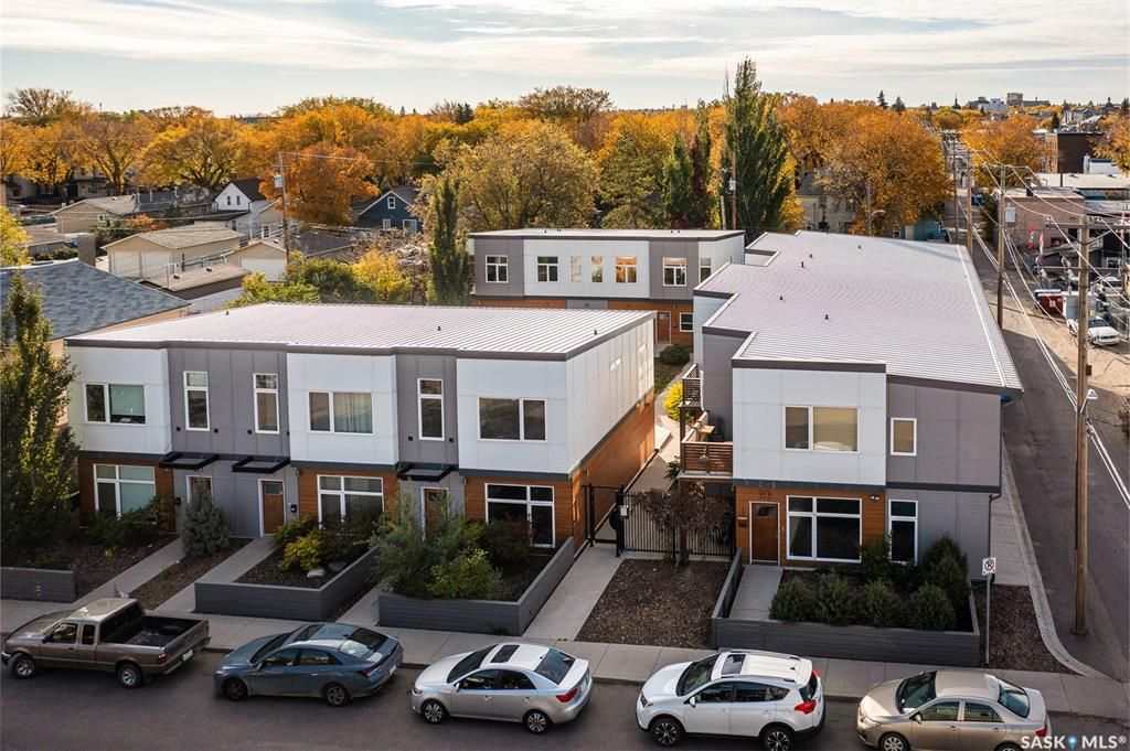 Main Photo: 2 313 D Avenue South in Saskatoon: Riversdale Residential for sale : MLS®# SK871610