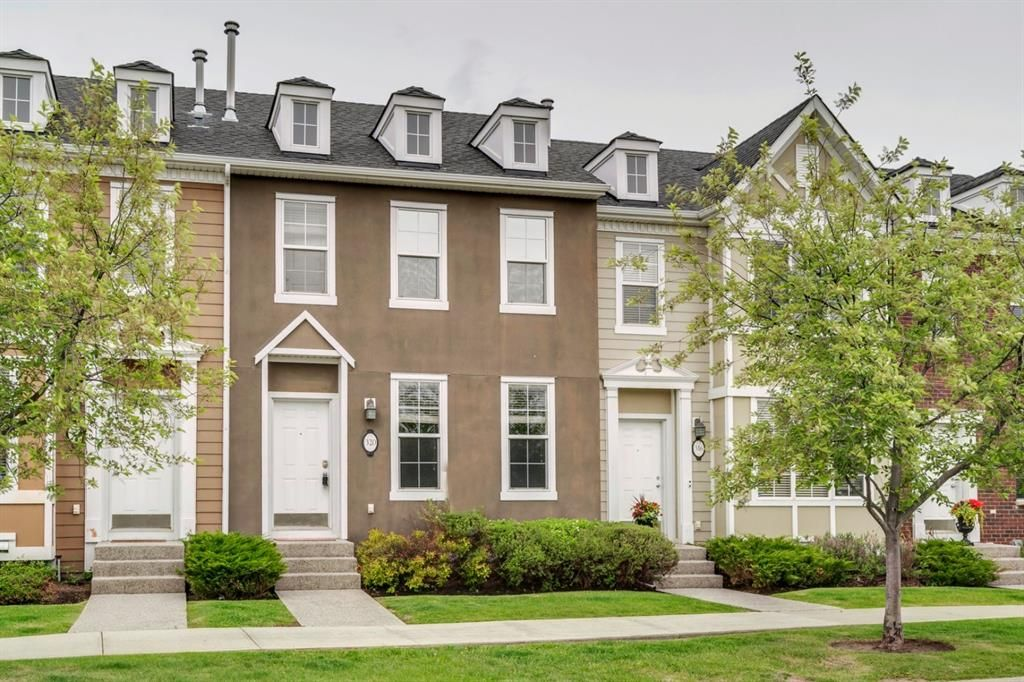 Main Photo: 320 Rainbow Falls Drive: Chestermere Row/Townhouse for sale : MLS®# A1114786