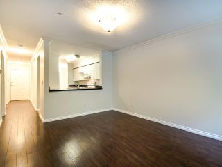 """Photo 12: 109 1189 WESTWOOD Street in Coquitlam: North Coquitlam Condo for sale in """"LAKESIDE TERRACE"""" : MLS®# R2483775"""