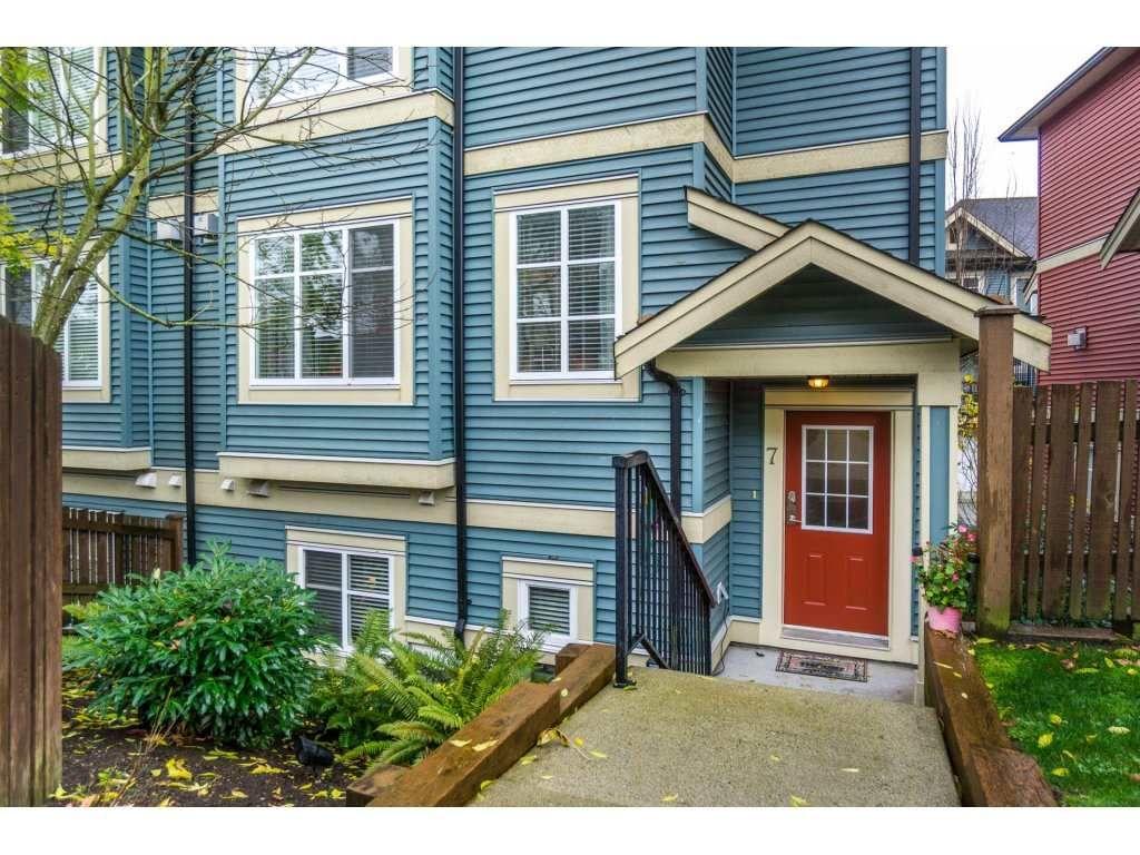 "Main Photo: 7 6635 192 Street in Surrey: Clayton Townhouse for sale in ""LEAFSIDE LANE"" (Cloverdale)  : MLS®# R2123190"