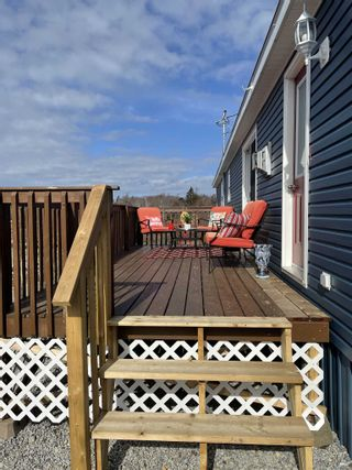 Photo 2: 2722 Sandy Point Road in Sandy Point: 407-Shelburne County Residential for sale (South Shore)  : MLS®# 202105908