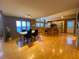 "Photo 3: 13545 SUNNYSIDE Drive: Charlie Lake House for sale in ""LAKESHORE"" (Fort St. John (Zone 60))  : MLS®# R2465835"