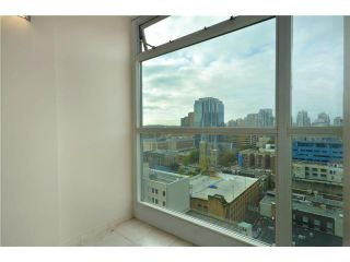 "Photo 7: 2001 438 SEYMOUR Street in Vancouver: Downtown VW Condo for sale in ""CONFERENCE PLAZA"" (Vancouver West)  : MLS®# V916665"