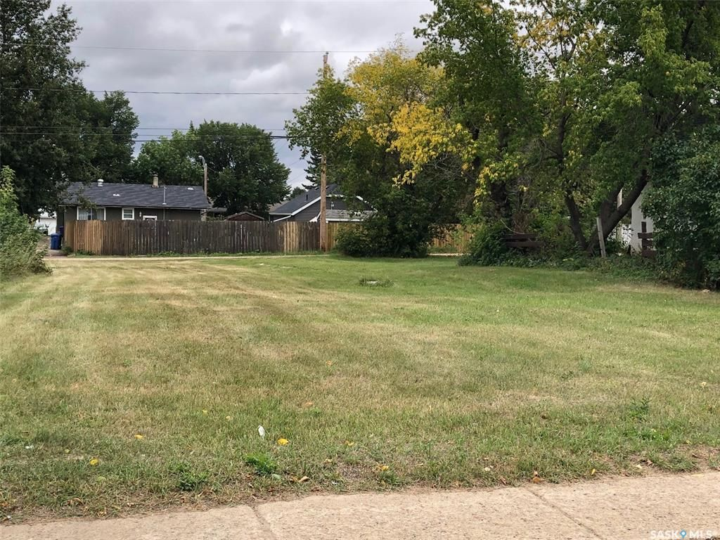 Main Photo: 872 110th Street in North Battleford: Lot/Land for sale : MLS®# SK851042