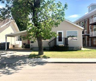 Photo 2: 930 Henry Street in Estevan: Hillside Residential for sale : MLS®# SK825774