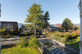 """Photo 12: 205 2428 W 1ST Avenue in Vancouver: Kitsilano Condo for sale in """"NOBLE HOUSE"""" (Vancouver West)  : MLS®# R2450860"""