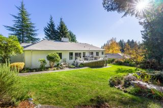 Photo 4: 4794 Amblewood Dr in : SE Broadmead House for sale (Saanich East)  : MLS®# 860189