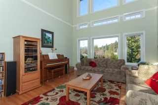 Photo 3: 91 STRONG Road: Anmore House for sale (Port Moody)  : MLS®# R2354420