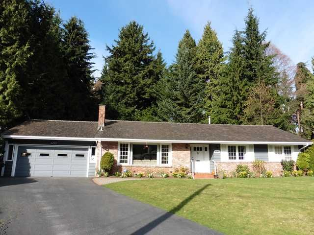Main Photo: 480 SILVERDALE Place in North Vancouver: Upper Delbrook House for sale : MLS®# V1109591