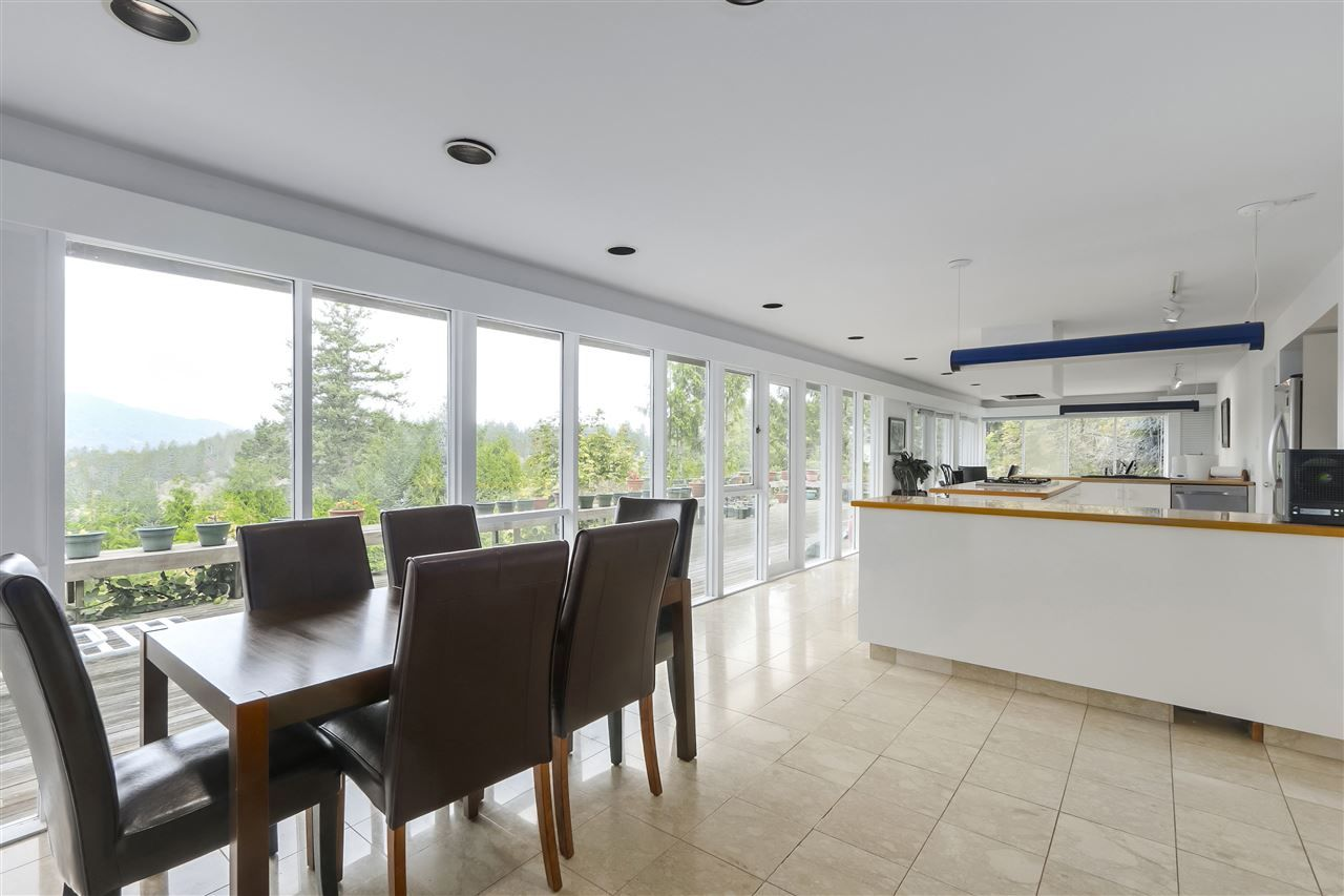 Photo 4: Photos: 6253 ST. GEORGES Crescent in West Vancouver: Gleneagles House for sale : MLS®# R2526812
