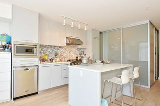 Photo 6: 306 4355 W 10TH AVENUE in Vancouver: Point Grey Condo for sale (Vancouver West)  : MLS®# R2084869
