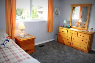 """Photo 13: 5272 DIXON Place in Delta: Hawthorne House for sale in """"Hawthorne"""" (Ladner)  : MLS®# R2125010"""