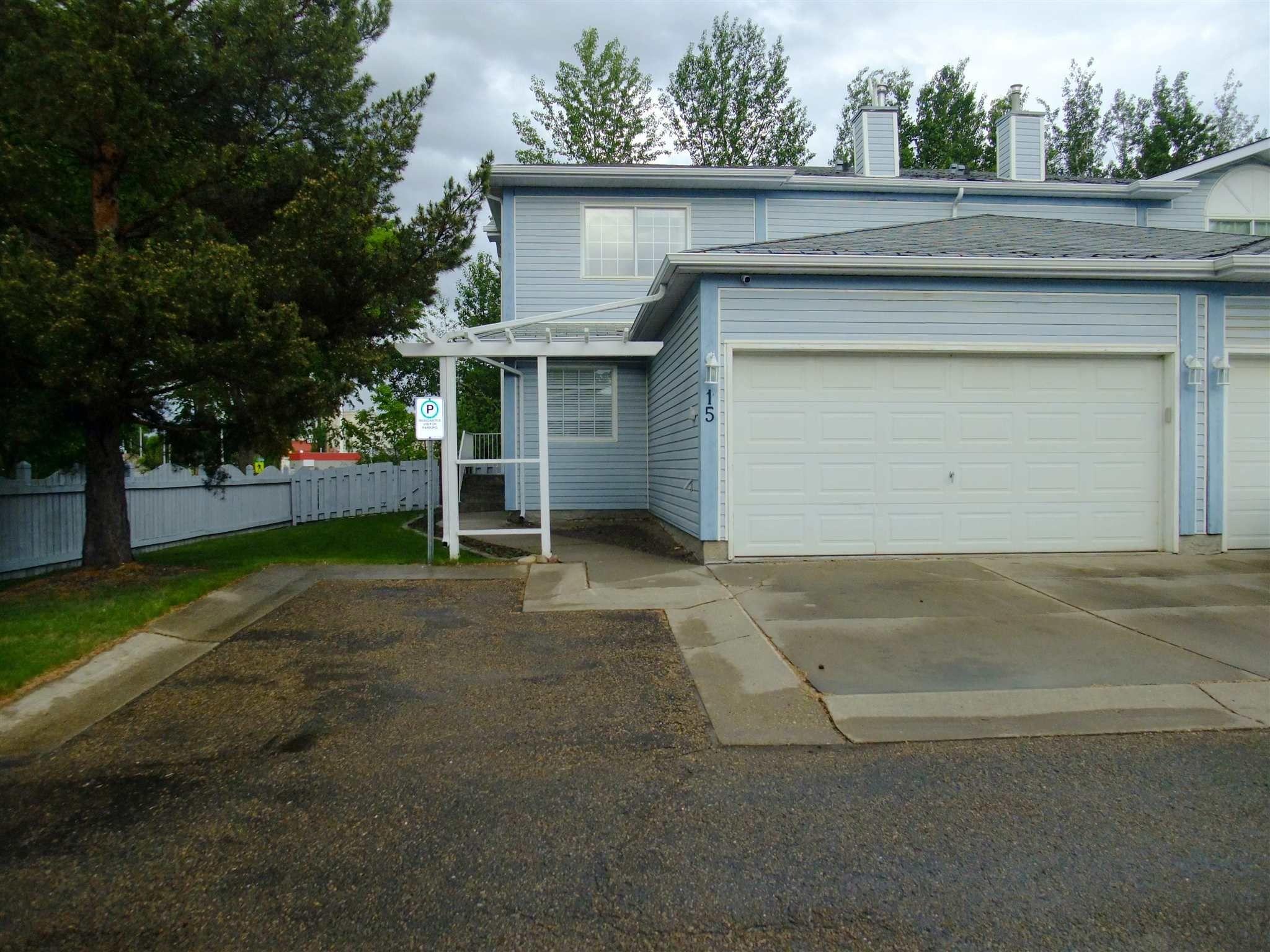 Main Photo: 15 35 GRANDIN Road: St. Albert House Half Duplex for sale : MLS®# E4256861