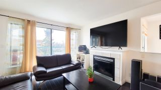 """Photo 5: PH5 223 MOUNTAIN HIGHWAY Highway in North Vancouver: Lynnmour Condo for sale in """"Mountain View Village"""" : MLS®# R2560241"""