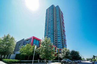 """Photo 1: 802 6658 DOW Avenue in Burnaby: Metrotown Condo for sale in """"MODA"""" (Burnaby South)  : MLS®# R2602732"""