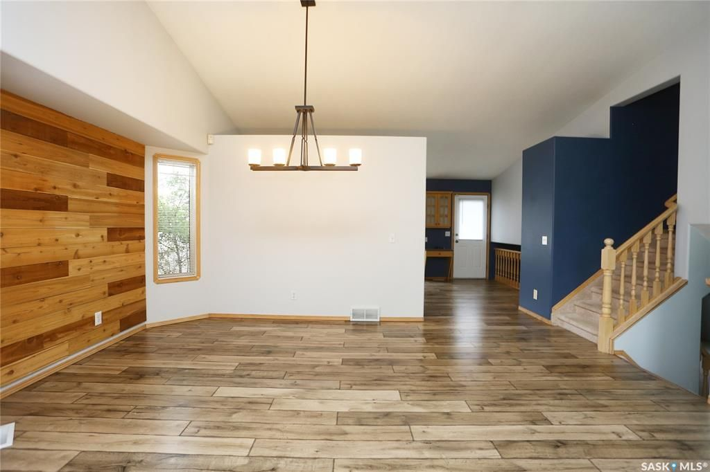 Photo 9: Photos: 206 1st Avenue North in Warman: Residential for sale : MLS®# SK796281