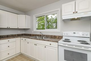 Photo 10: 2442 Fitzgerald Ave in : CV Courtenay City House for sale (Comox Valley)  : MLS®# 874631