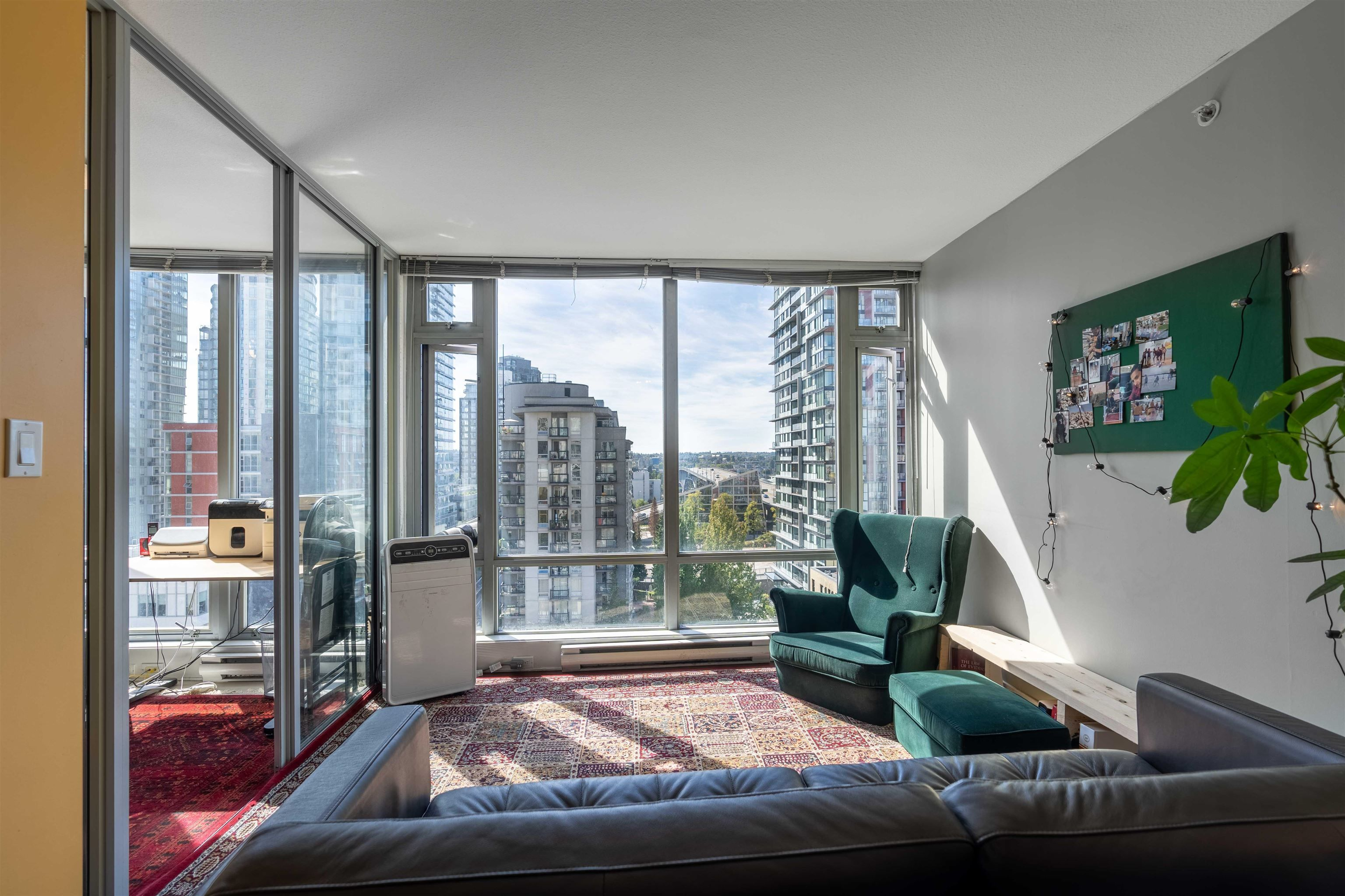 """Main Photo: 1103 1255 SEYMOUR Street in Vancouver: Downtown VW Condo for sale in """"ELAN"""" (Vancouver West)  : MLS®# R2613560"""