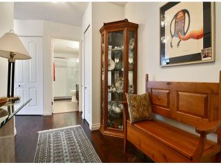"Photo 2: 709 15111 RUSSELL Avenue: White Rock Condo for sale in ""PACIFIC TERRACE"" (South Surrey White Rock)  : MLS®# F1405374"