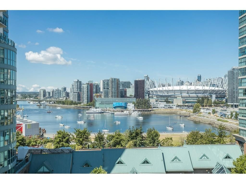 """Main Photo: 1105 1159 MAIN Street in Vancouver: Downtown VE Condo for sale in """"City Gate 2"""" (Vancouver East)  : MLS®# R2591990"""